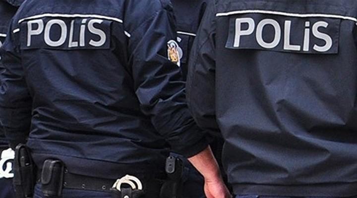 Hırsızlık ve Çeşitli Suçlardan Aranan İki Kadın Menemen'de Yakalandı